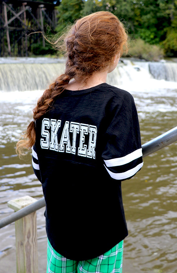Skater Slub V-Neck PomPom (Youth)