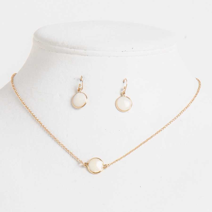 6406560fbb345 Gold & Mother of Pearl Necklace & Earrings Set