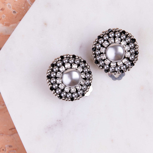 Melanie Single-Pearl Earrings