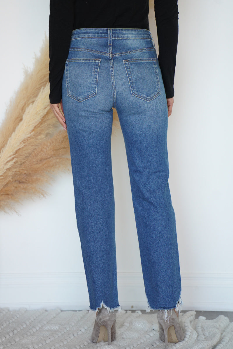 STRAIGHT LEG JEAN WITH FRAY HEM