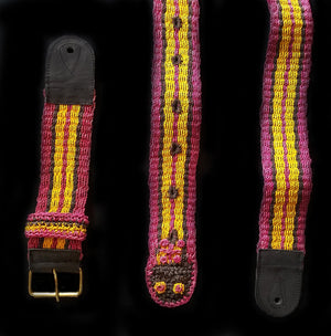 GS07D : Fair-trade hand-made Amazon guitar strap - striped snake model