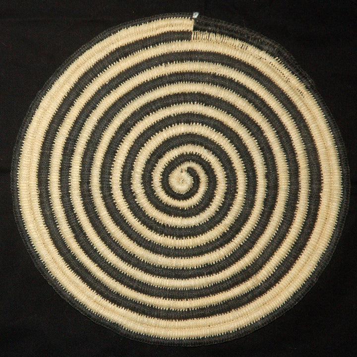 Woven hot pad (tivet) and center piece with black and white spirals (TP091)
