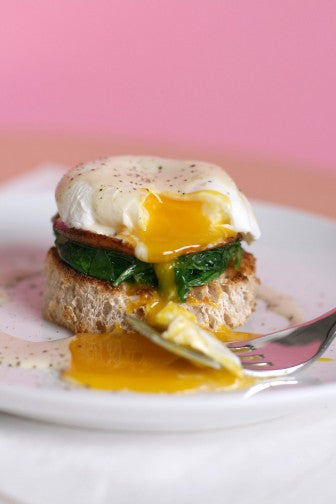 POACHED EGGS - WHITE TRUFFLE CREAM