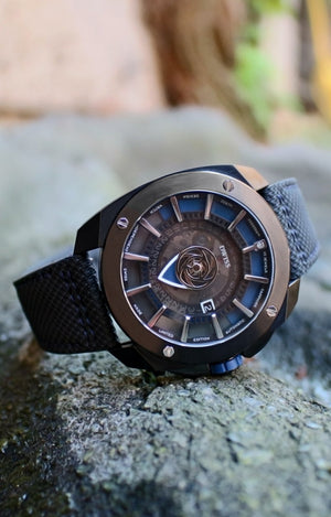 DWISS RS1-BL Automatic Limited Edition and design awarded Luxury Swiss Made Watches With Innovative Time Reading Systems