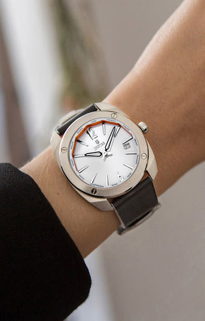 DWISS RS1-SW-Quartz Limited Edition and design awarded Luxury Swiss Made Watches With Innovative Time Reading Systems