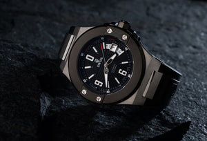 DWISS M1 Silver Black Limited Edition and design awarded Luxury Swiss Made Watches With Innovative Time Reading Systems