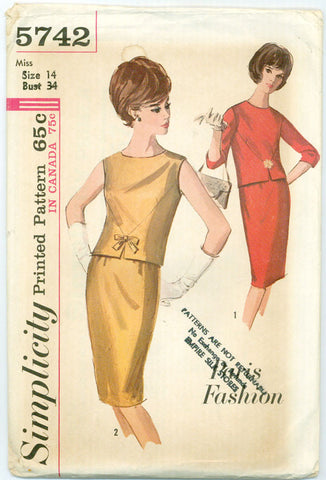 Simplicity 5742 - Paris Fashion - Two-Piece Dress with V-Shaped Front and Two Necklines - Serendipity Vintage