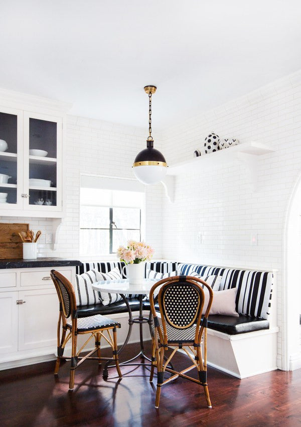 Black & white & brunch all over. 
