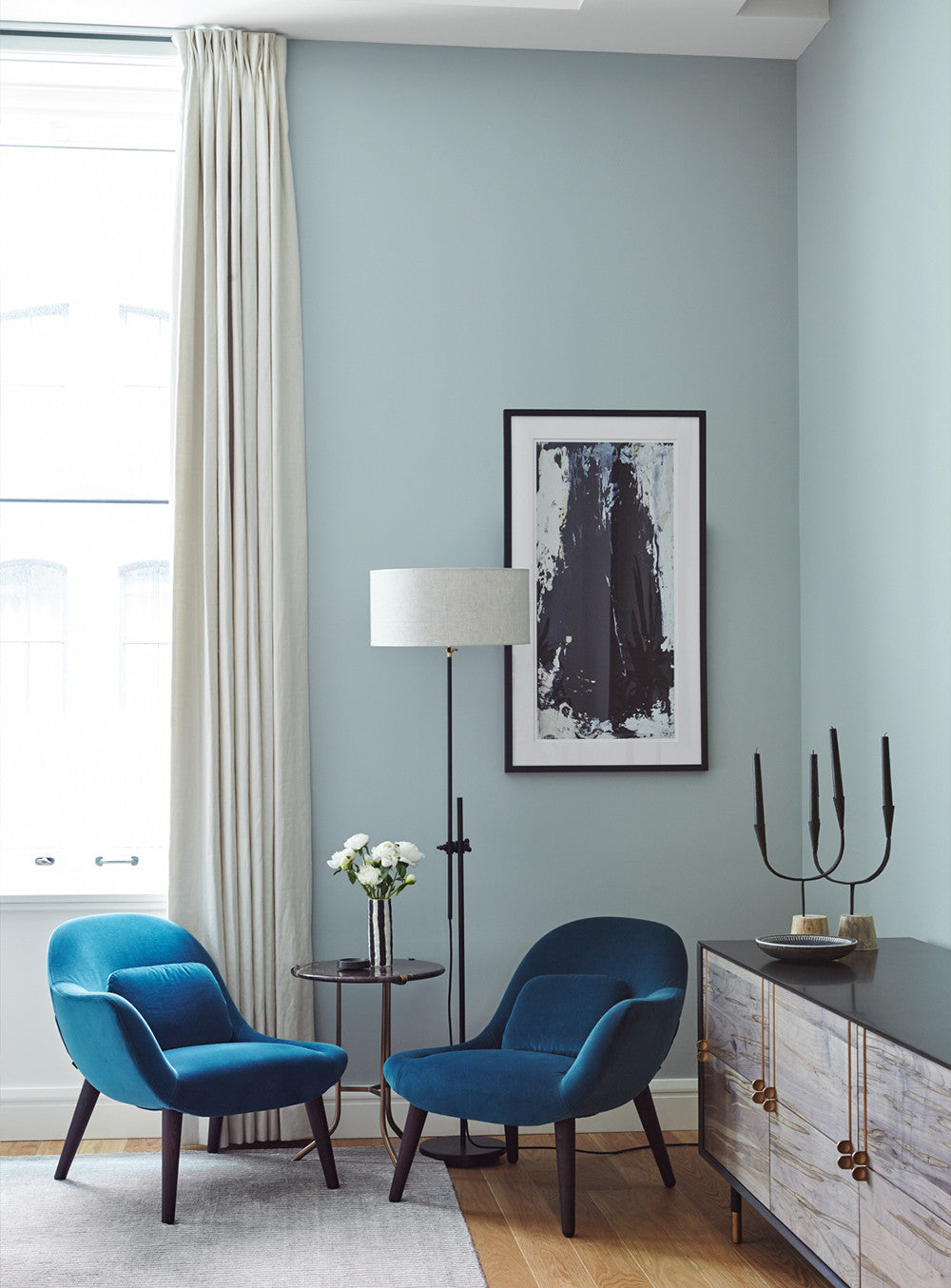 Black & blue has never looked so chic.   Interior Design by Consort. Photo: Reid Rolls