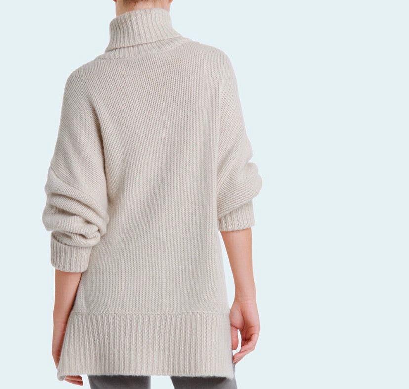 RICHARD GRAND ~Our Cashmere Slouchy Turtleneck Sweater  19571