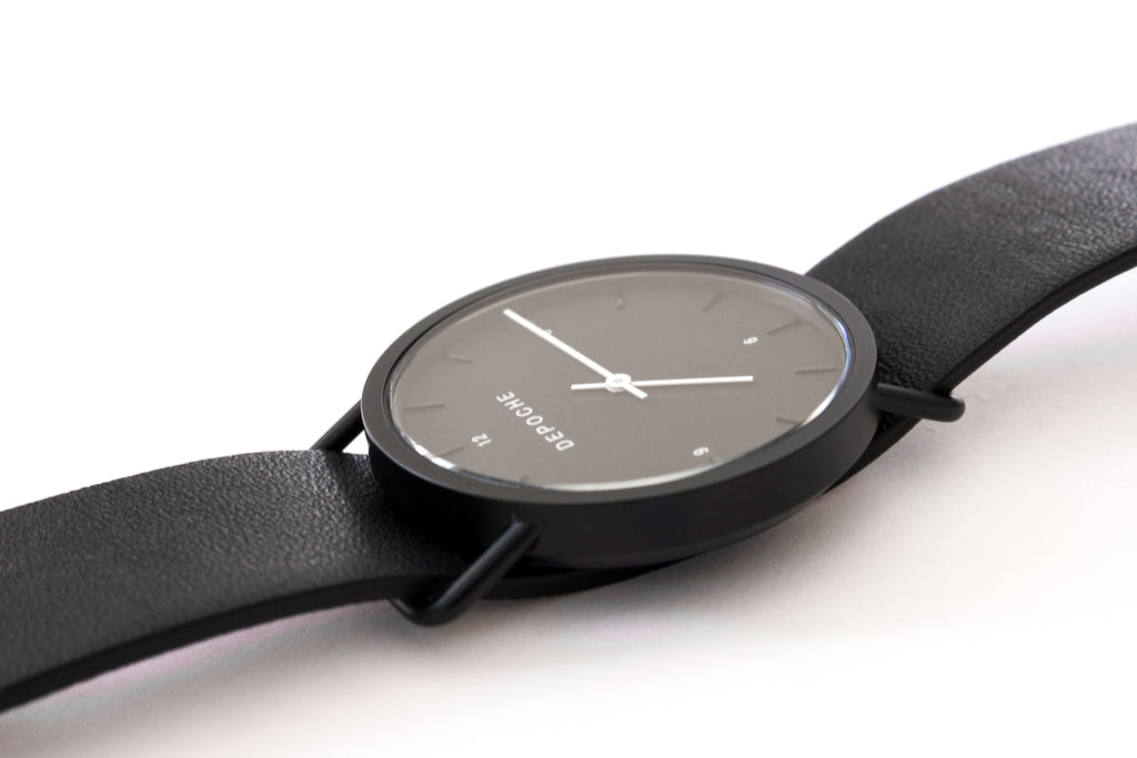 Depoche-trench-watch-black-black-iso