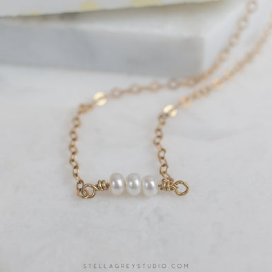 Amara tiny pearl necklace