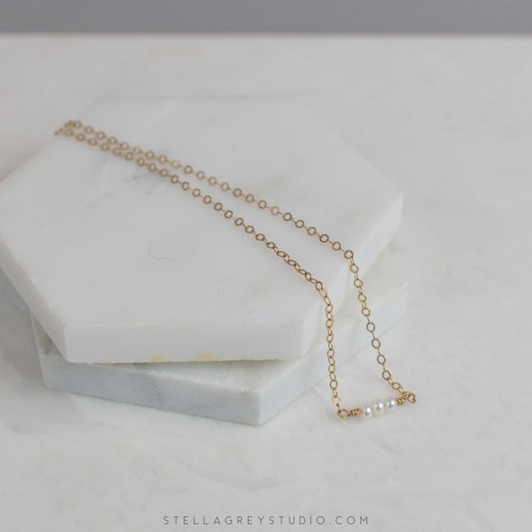 Amara small pearl necklace