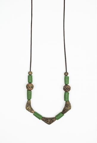 Green and brasss beads necklace