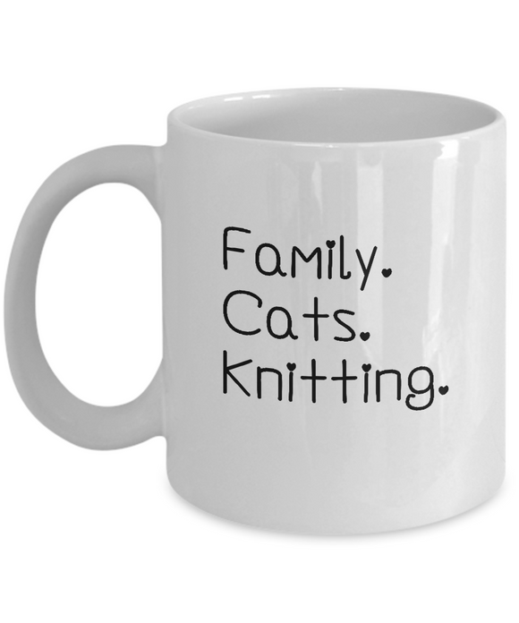 Family-Cats-Knitting Ceramic Mug