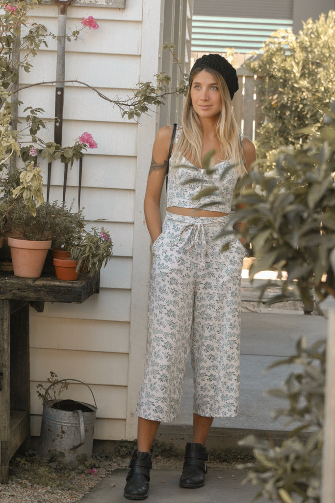 Floral 70's Cropped Pants