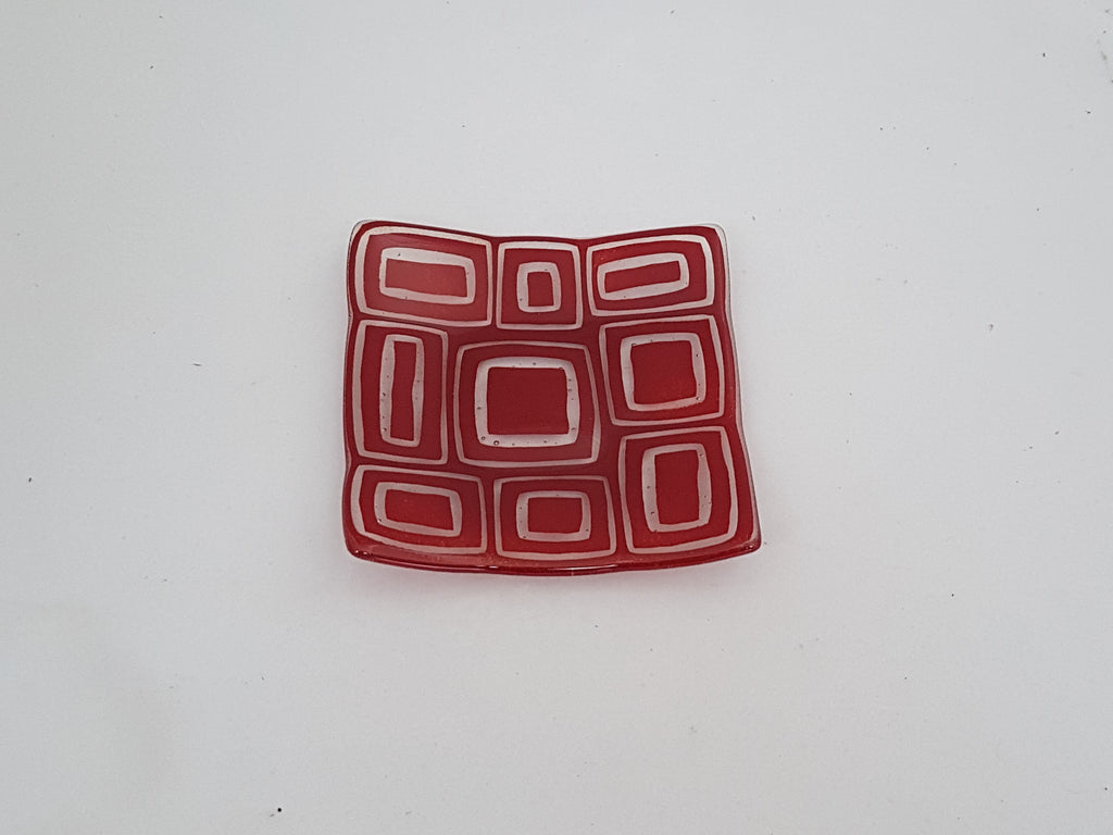 Flared Square Plate - 150 - Stacks - Deep Red & Flared Square Plate - 150 - Stacks - Deep Red u2013 Saward Glass Designs