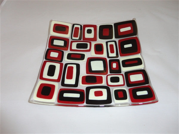 Flared Square Plate - 300 - Brenda - Deep Red Trio