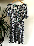 XL - Vintage 1960's Daisy Print Summer Dress