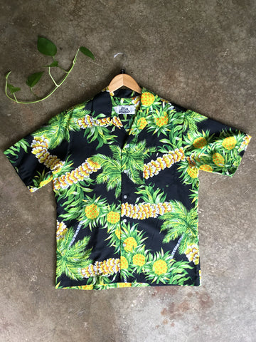 vintage 1960s hawaiian shirt