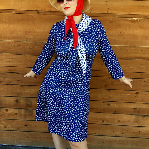 vintage 1970's flattering swing dress, size large