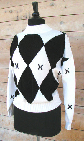 M - Vintage Black and White Knit Sweater with Diamond Pattern