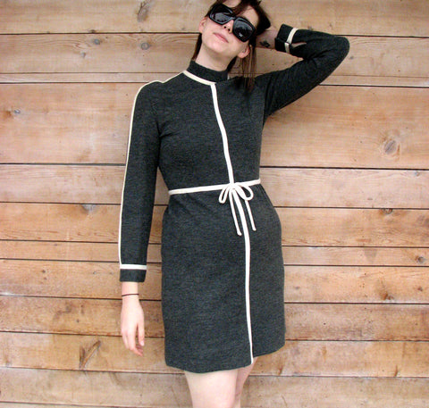 L - Vintage 1960's Gray Wool Dress with White Piping