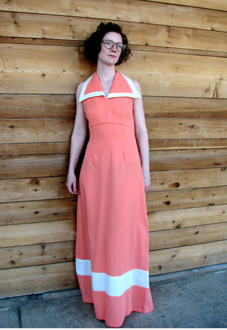 S - Vintage 1970's Coral Dress with Wide Collar