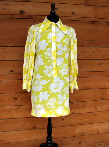 M - Vintage 1960's Bright Yellow Floral Shift Dress