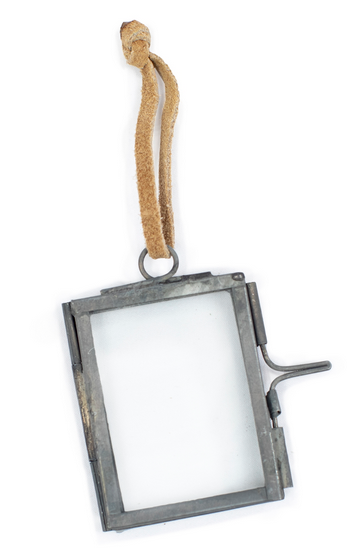 Mini Ornament Frame with Zinc Finish