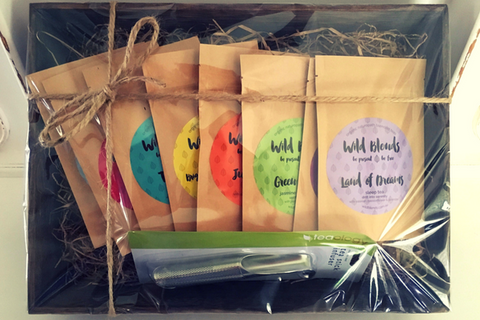 Wild Blends Organic Tea Gift Set with Teaology Stick Infuser
