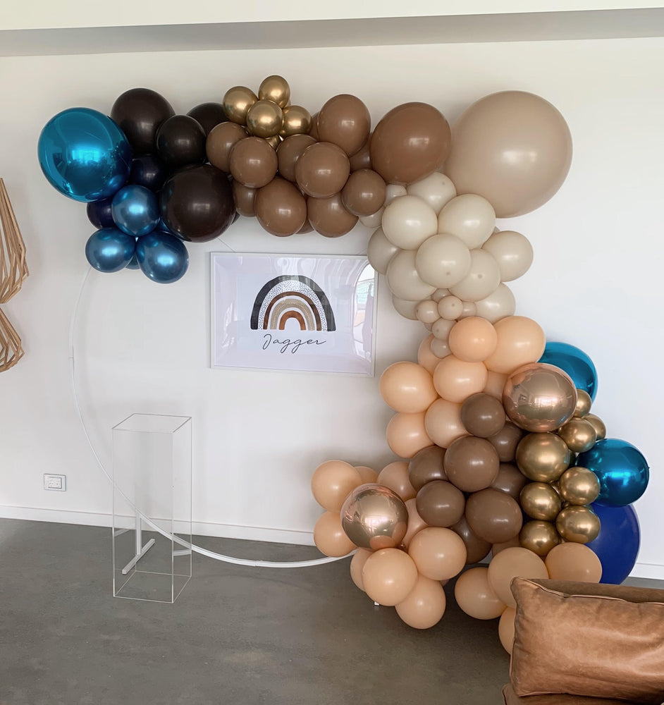 White Balloon Frame Circle (No Mesh) Backdrop and Balloon Package