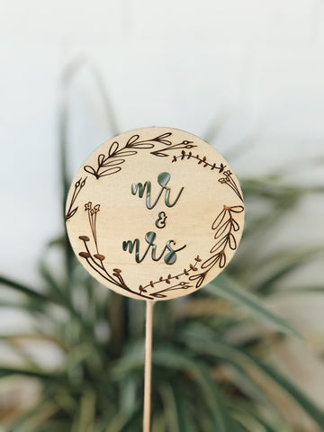 Floral Wreath Cake Topper - Mr & Mrs