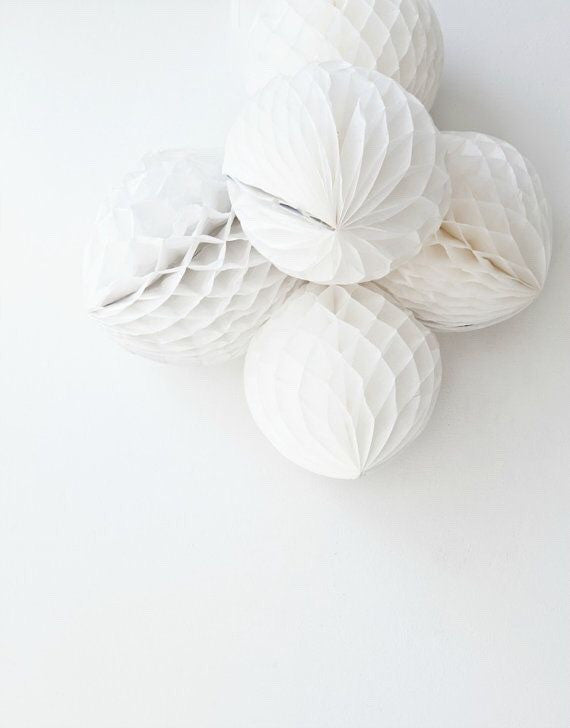 White Honeycomb Balls