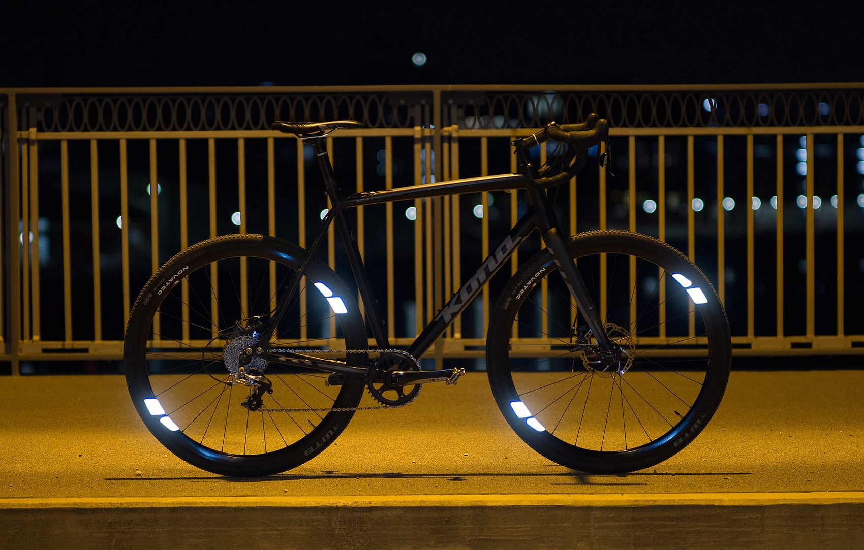 FLECTR 360 – the bike reflector with 360° visibility by The Outsider