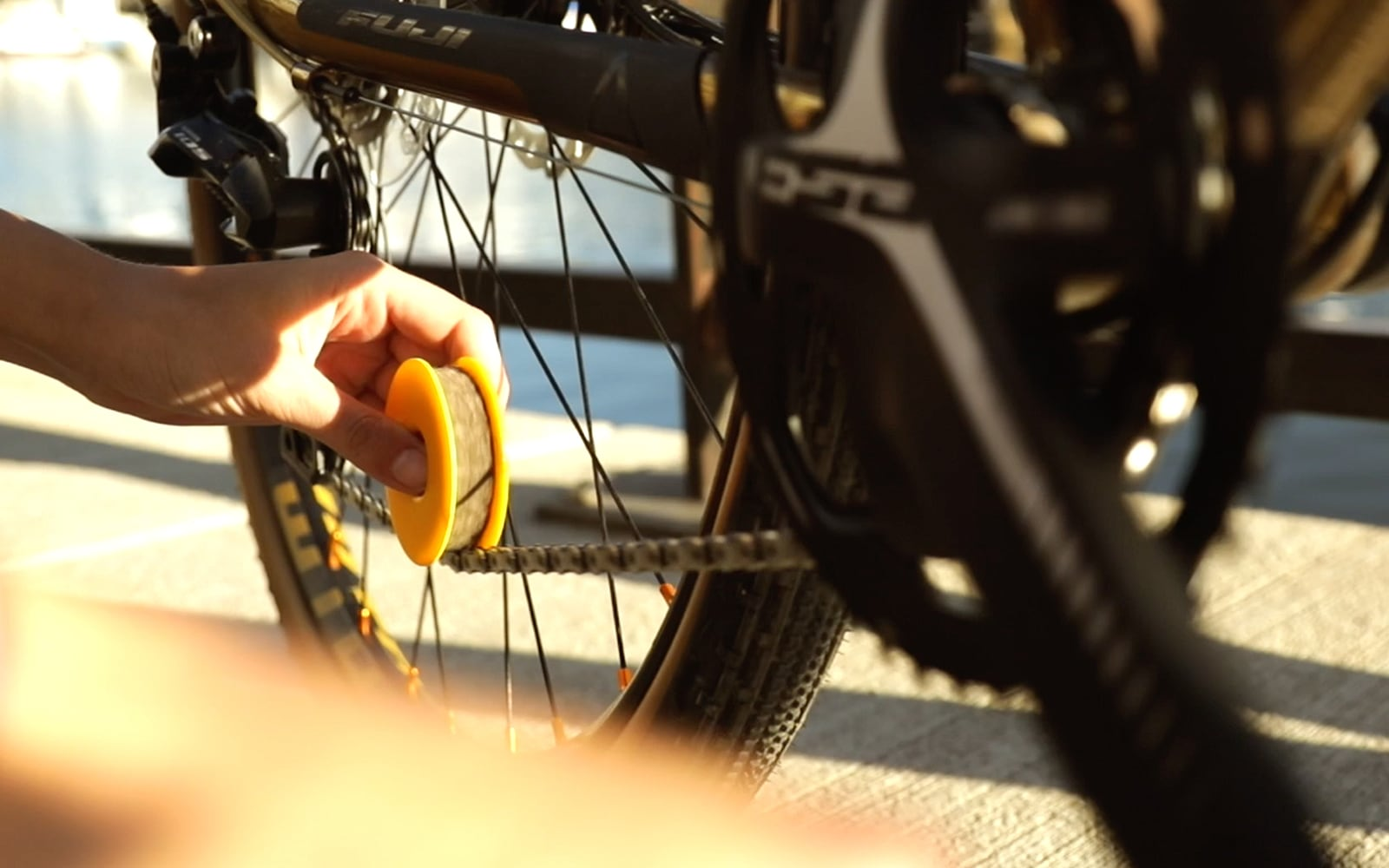 Chain care with FLECTR LUBRI DISC - We answer your questions.