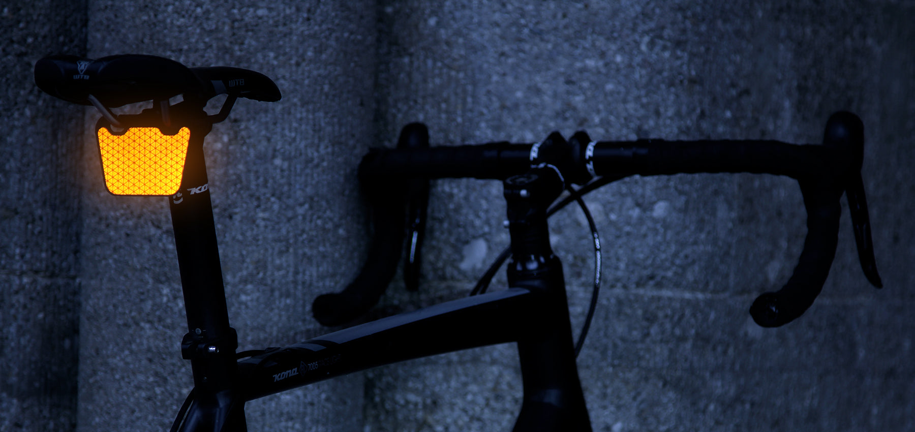 FLECTR CLIP reflector series for cyclists, joggers and outdoor sports ex Portland reflector