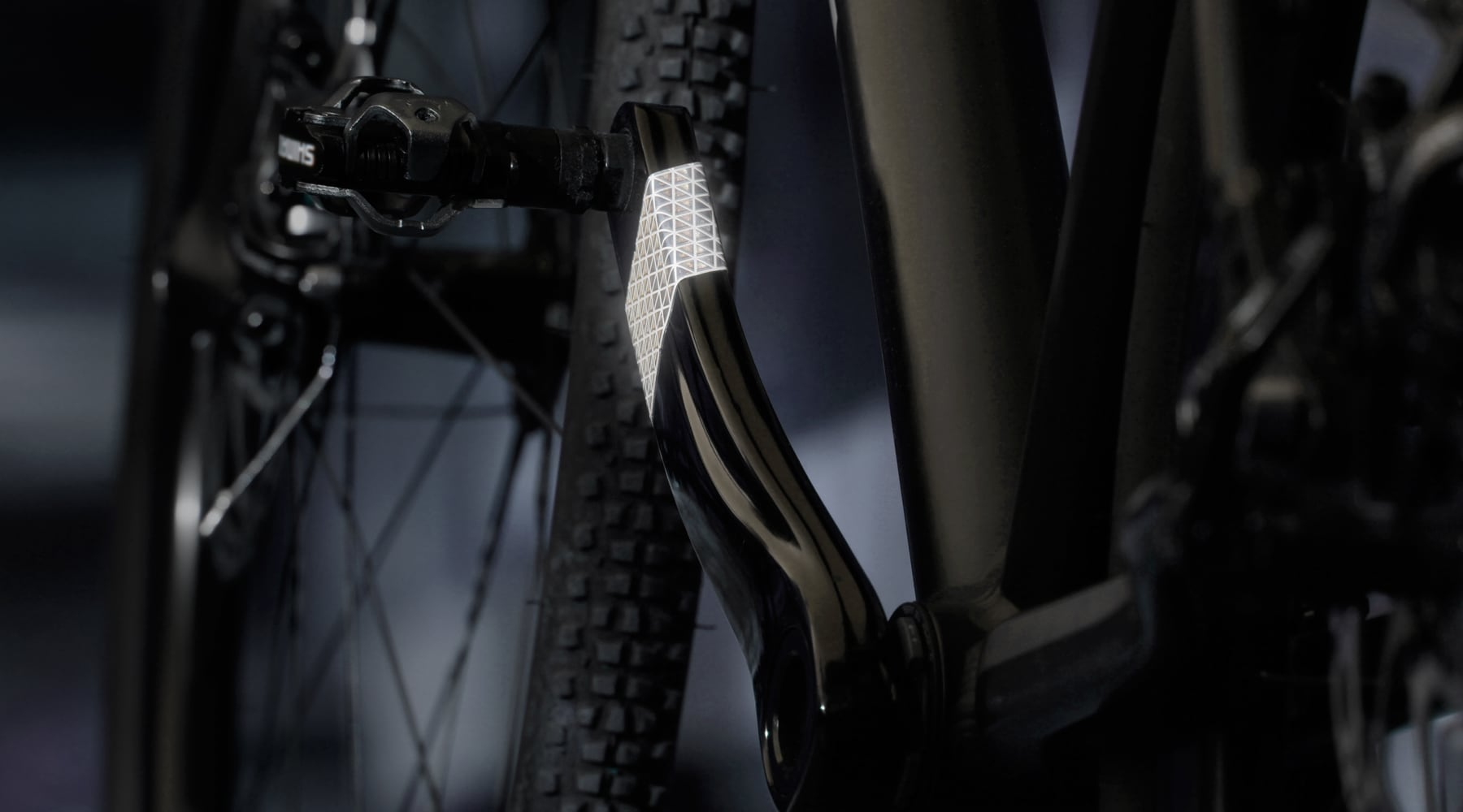 FLECTR VORTEX is the first bike crank reflector
