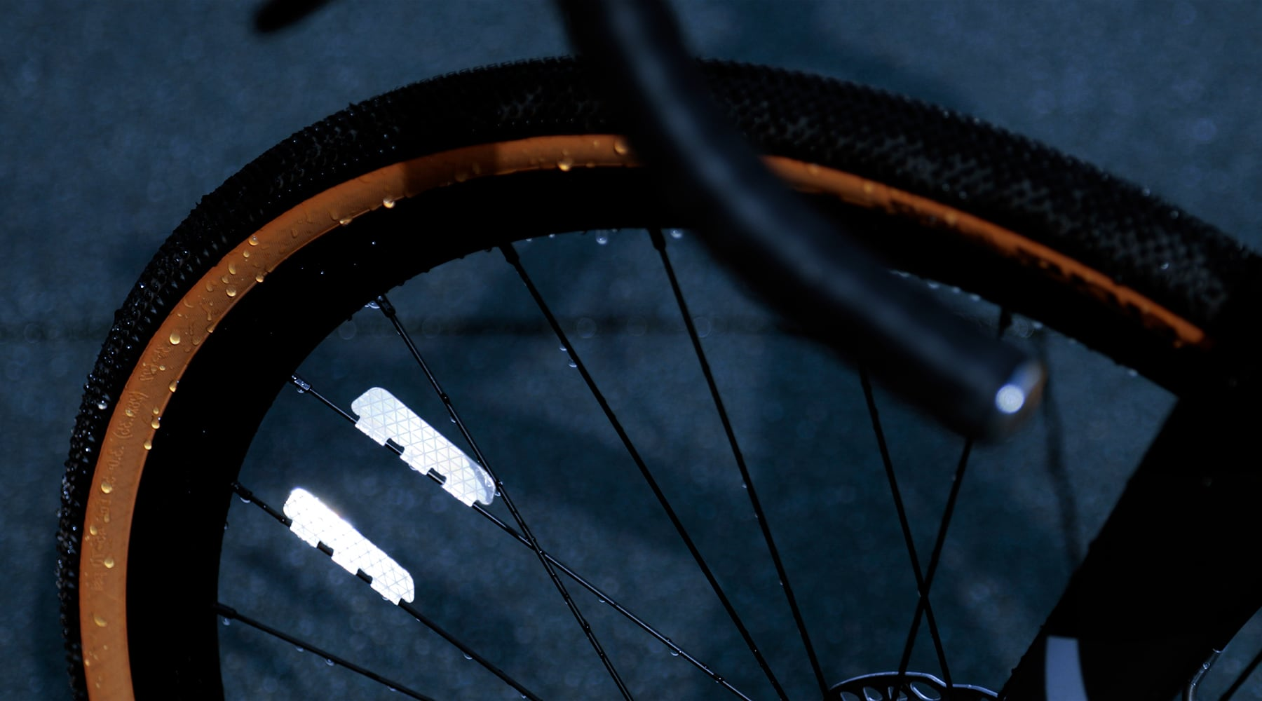 FLECTR ZERO - The performance spoke reflector fits your bike