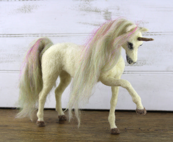 Una The Unicorn | Needle Felting Kit