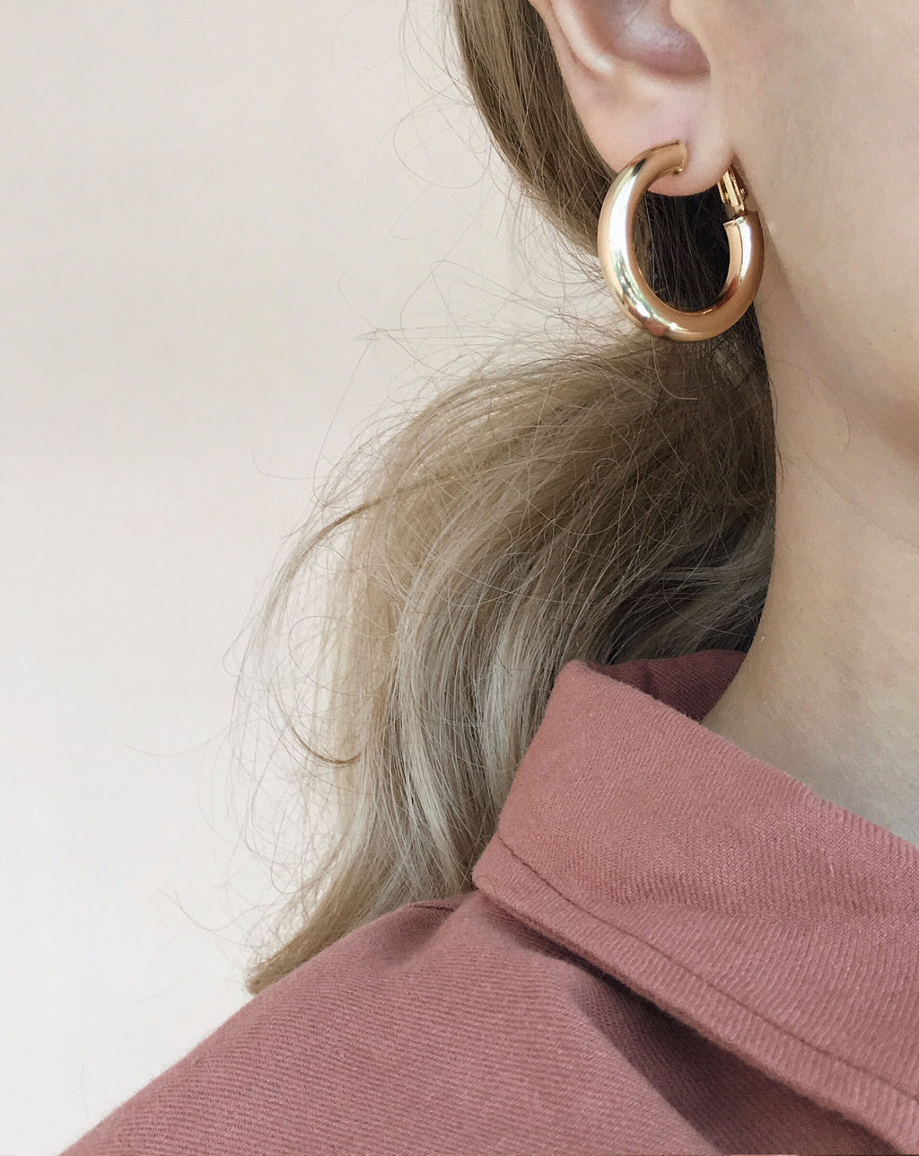 28mm gold hoops perfect on its own or for layering - TheHexad