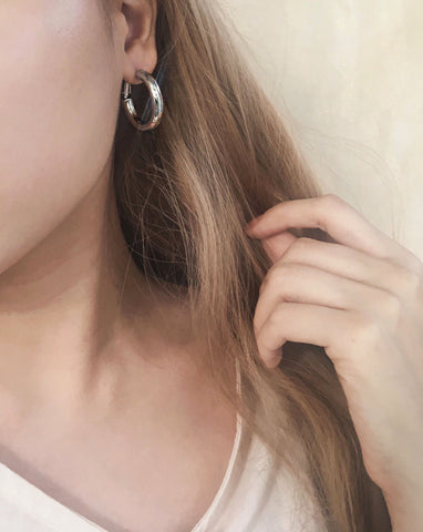 28mm silver hoops perfect on its own or for layering - TheHexad