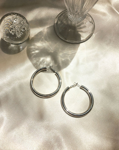 48mm diameter Kyo Hoop Earrings - Extra large and hollow silver hoops - TheHexad
