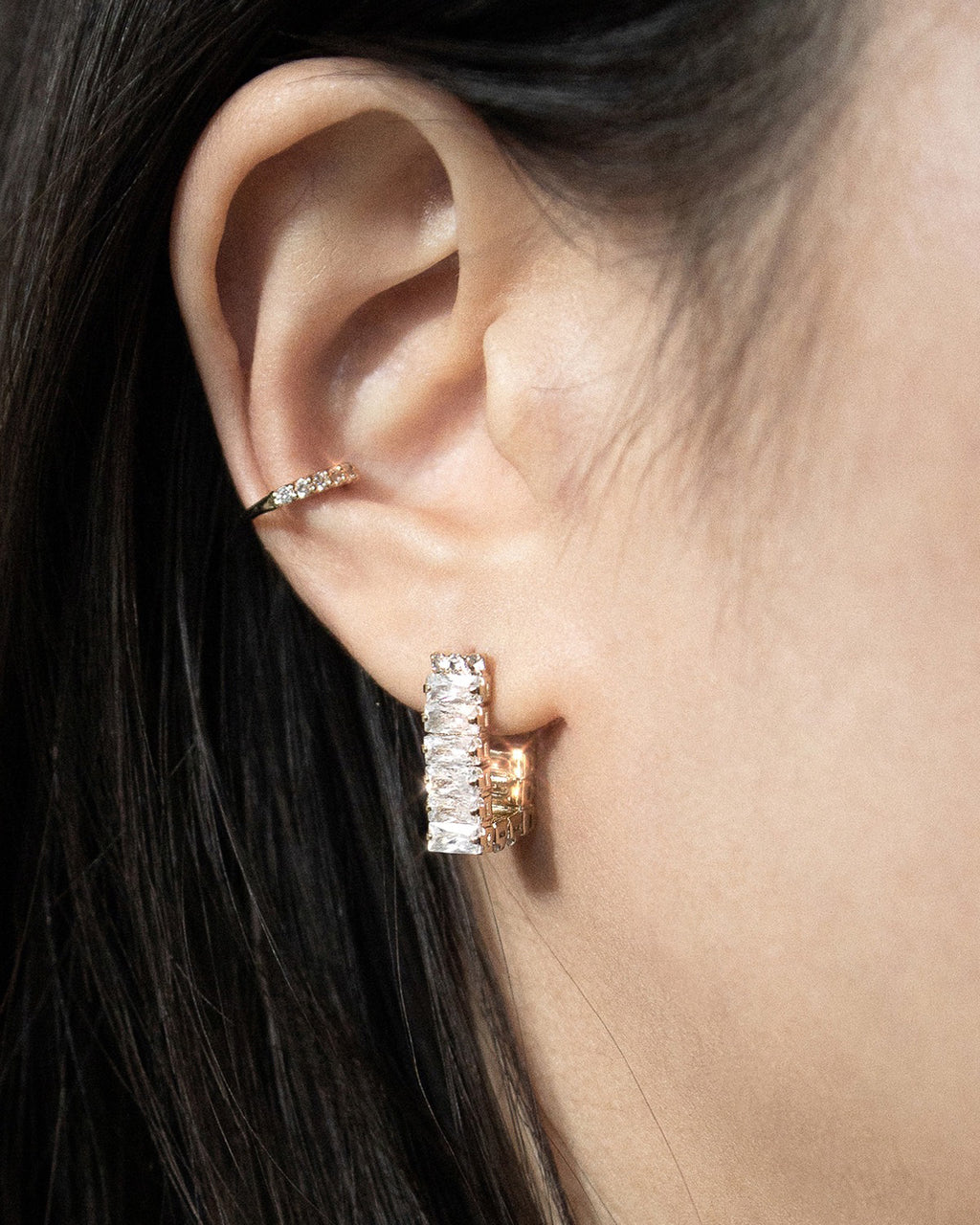 Add a touch of sparkle with the shiny Dazed earrings by The Hexad