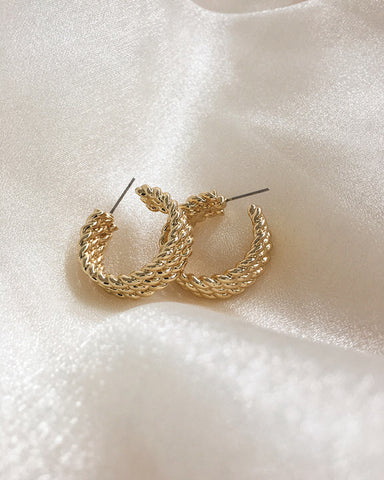 Beautiful three-layered rope chain hoop earrings by The Hexad