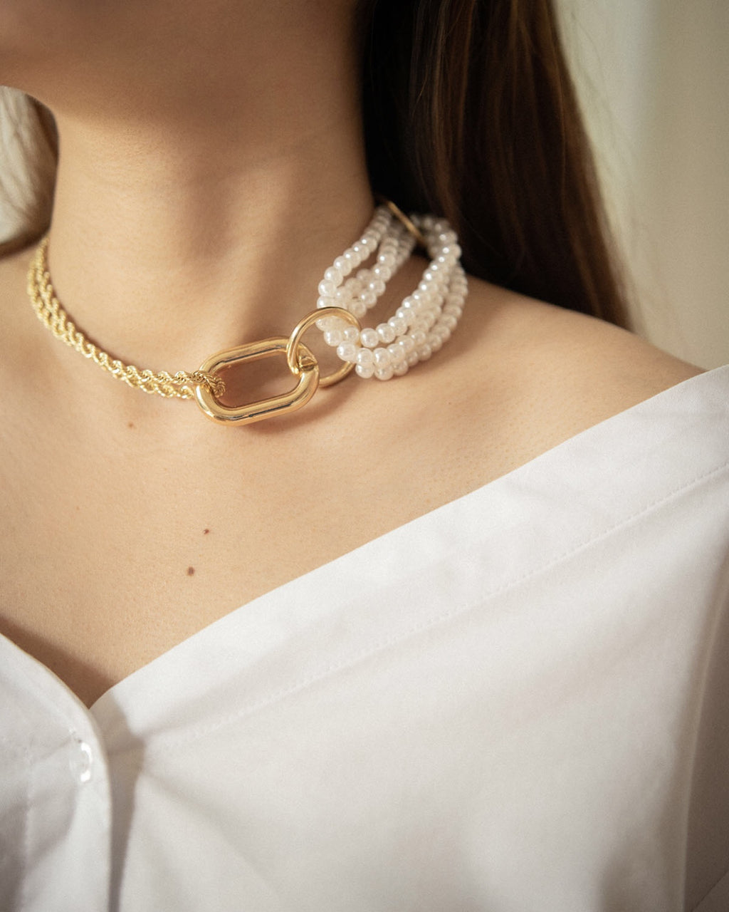 Bold chain necklace that show off bare plunging neckline - The Hexad's Isabeau necklace
