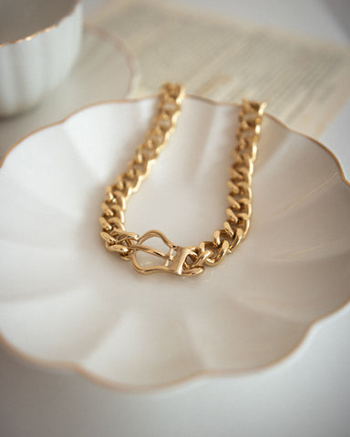 Bold thick chain choker crafted in gold - The Hexad