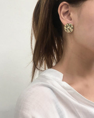 Circled hammered textured gold ear studs by THE HEXAD
