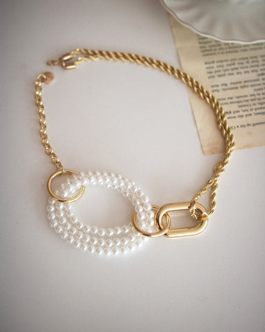 Dramatic pearl and chain gold choker by THE HEXAD