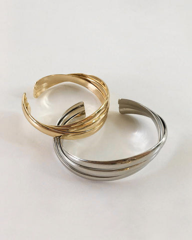 Everyday essential piece - Stacked Cuff Bangle in gold and silver - TheHexad